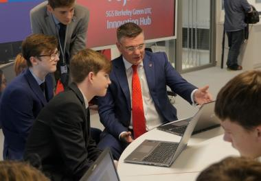 Fujitsu's Vice President of Cyber Security talks to UTC students